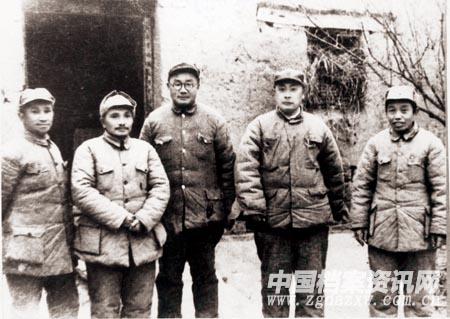 """邓小平:""""渡江作战无疑是一个伟大的胜利"""""""